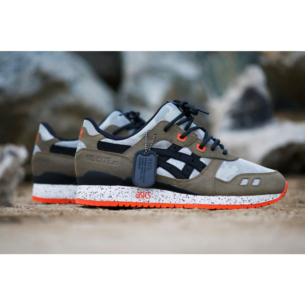 chaussures asics homme gel lyte
