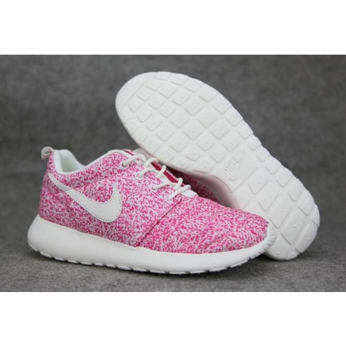 Pas Roshe Chaussure Cher Nike Run Femme kXNOP80nw