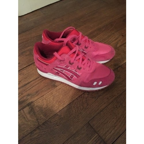 Achat / Vente produits Asics Gel Lyte 3 Femme Rose,Professionnel Courir Chaussures Asics Gel Lyte 3 Femme Rose Pas Cher[Chaussure-9874248]